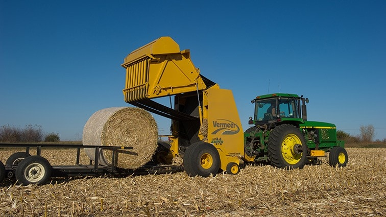 Harvesting corn stover to produce cellulosic ethanol